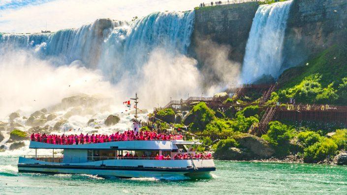 Croziera sub Cascada Niagara, Canada