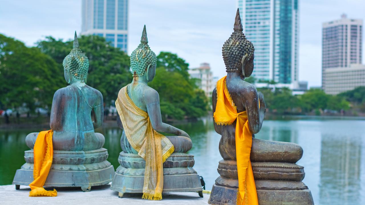 Templul Gangarama, Statues Of Seema Malakaya, Sri Lanka