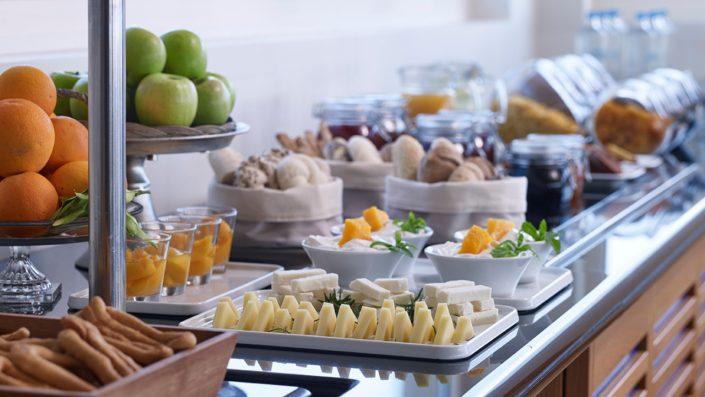 Pharae Restaurant mic dejun