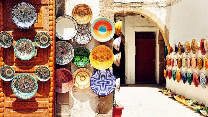 Tradiționale arabă artizanale plăci colorate decorate în Maroc Revelion
