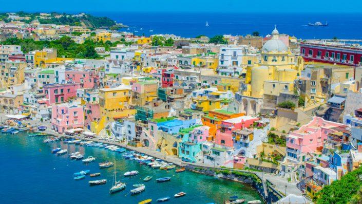 Napoli clădiri colorate