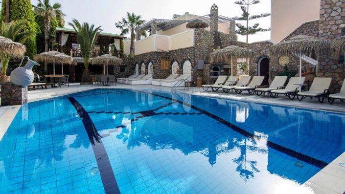 Polydefkis Apartments piscină