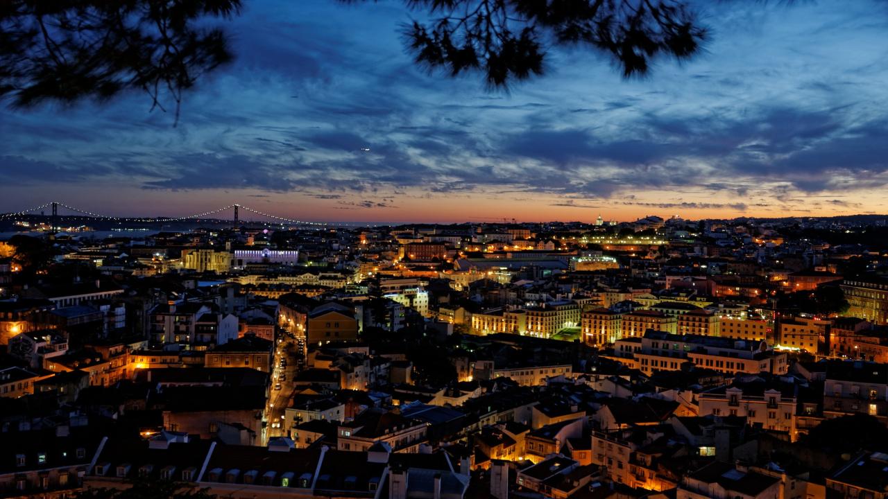 Lisabona noaptea