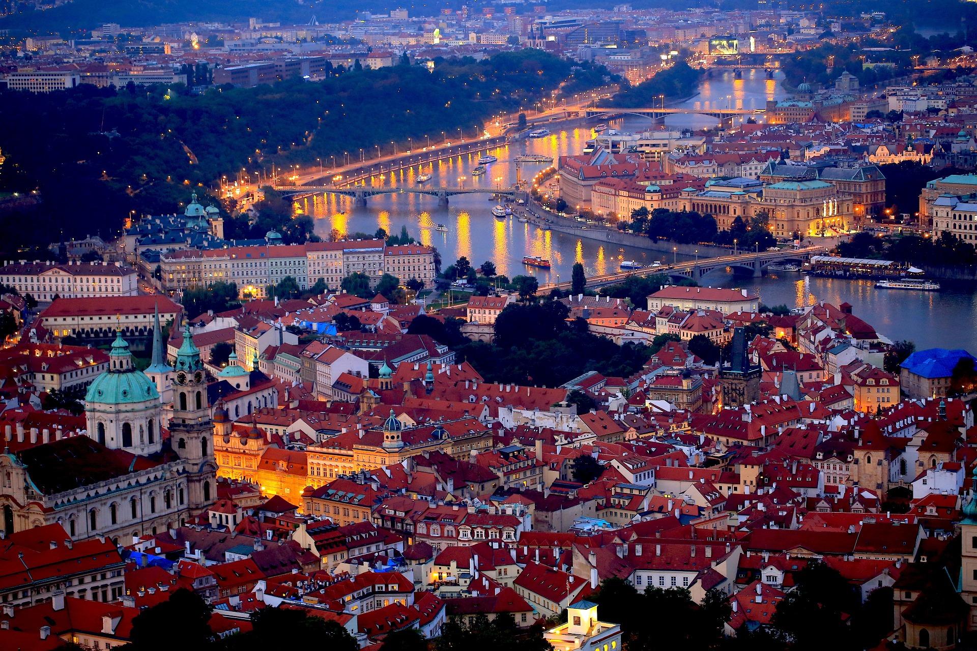 Excursie Praga Piața de Crăciun Revelion 2020 noaptea