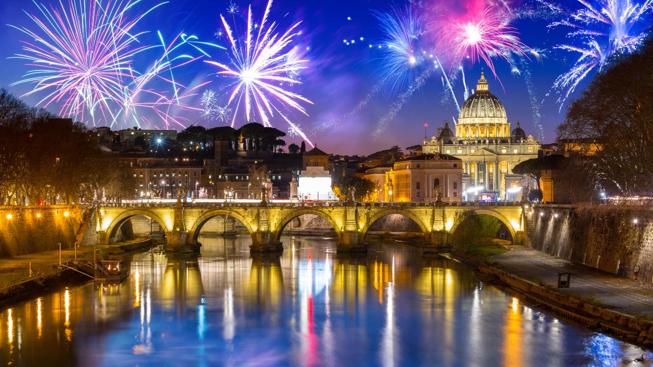 Roma Revelion Artificii deasupra Vaticanului