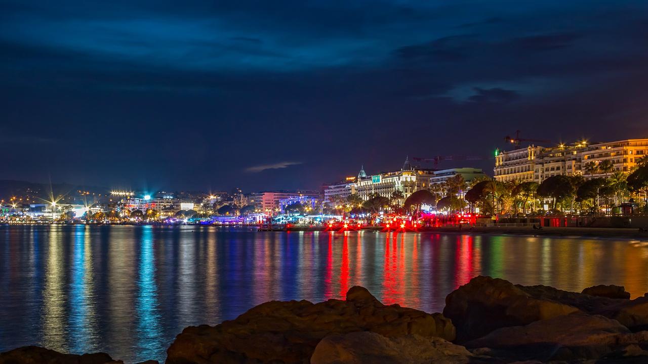 Cannes Nisa Revelion