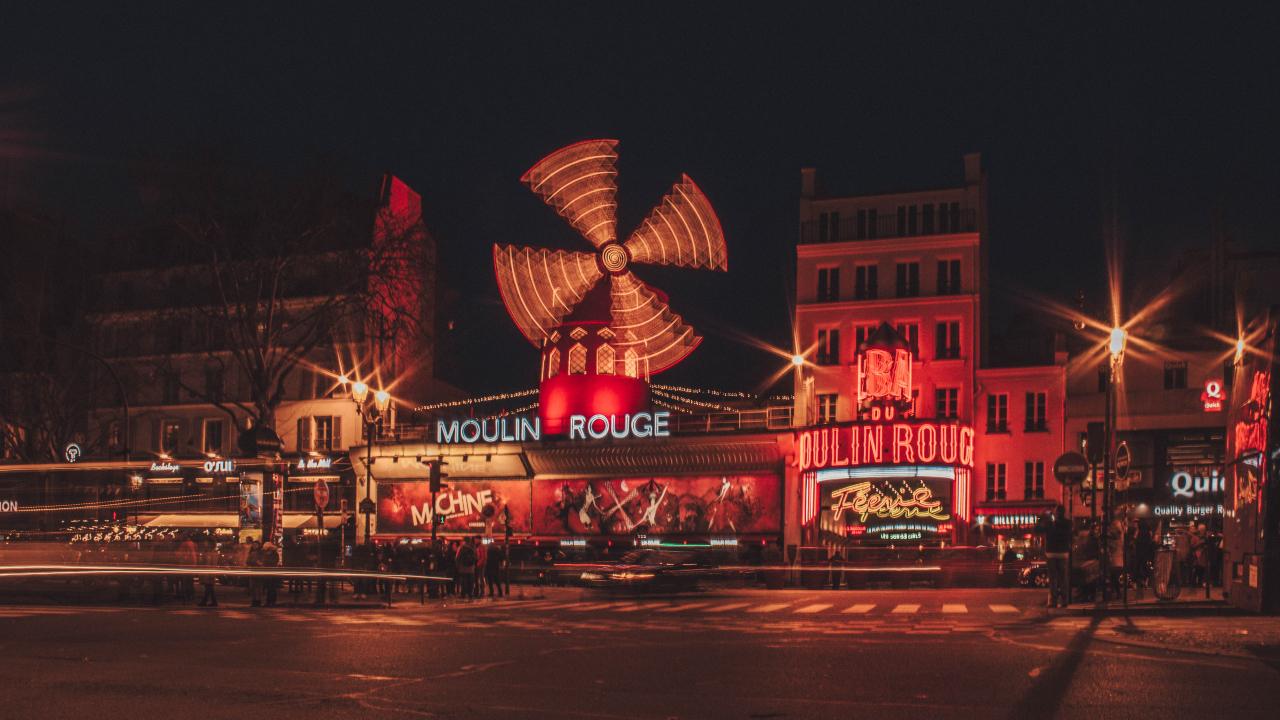 Moulin Rouge Paris, City Break Paris, Revelion Paris