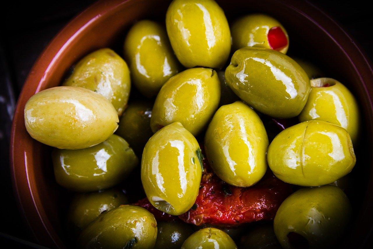 olives 2431689 1280
